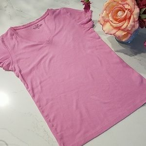 Vineyard Vines pink V-Neck t-shirt